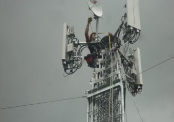 Landa Mobile Systems LLC Working-on-top-1-1-340x240 DEPLOYED UNITS